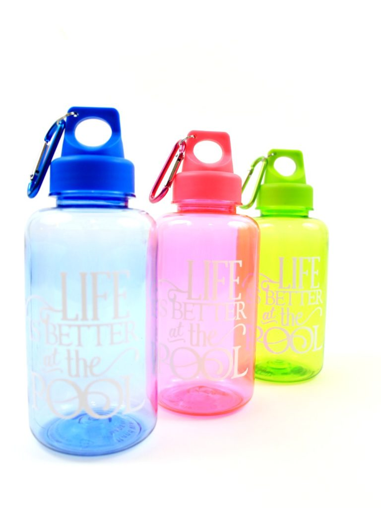 DIY water bottles with printable vinyl. An easy project to keep water bottles organized this summer.