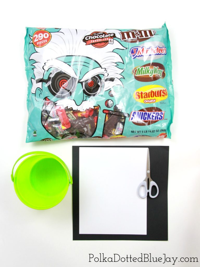 Get ready for Halloween with this DIY Frankenstein BOO Bucket. This easy Halloween craft takes less than 5 minutes to make and is perfect for little crafters to help assemble. #SpookySavings #BOOItForward #CollectiveBias #ad