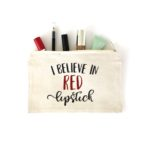 """Make your own """"I Believe in Red Lipstick"""" makeup bag to help keep your purse or makeup drawer organized! Click here to see more."""